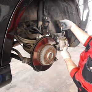 заміна тормозних колодок авто